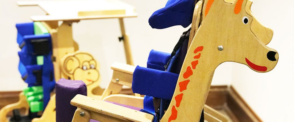 Emprendimiento argentino crea novedosas sillas de madera para niños ...