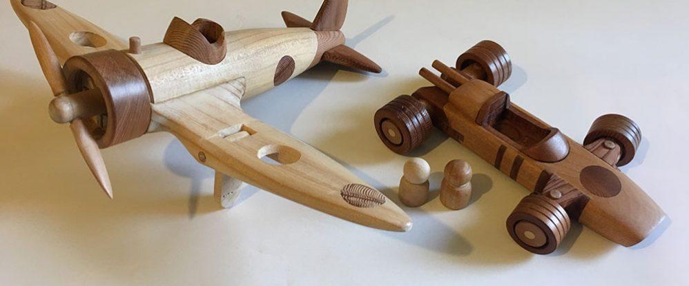 Juguetes de madera cautivan a tres generaciones - Muebles de juguete en madera ...