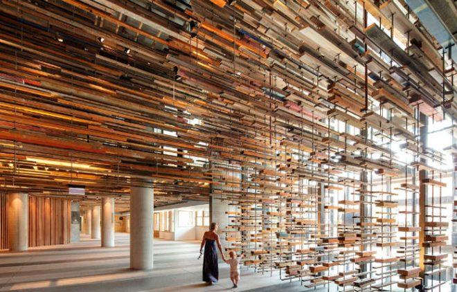 Timber-building_VICTORIA-HURTADO