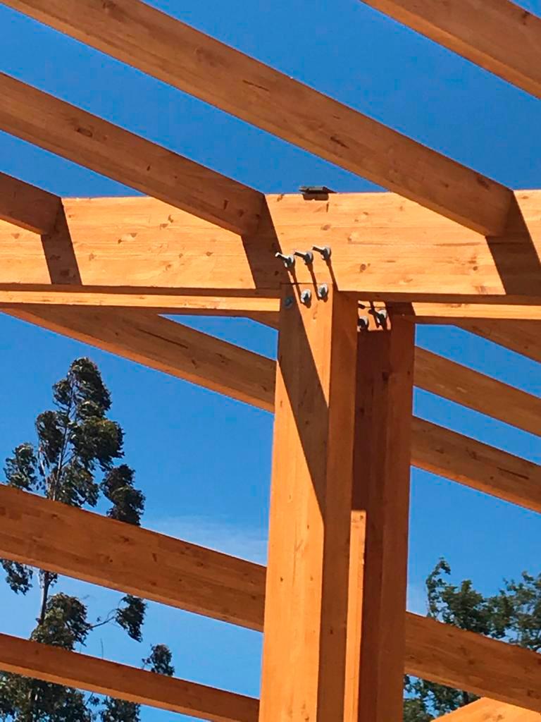 Antulafken Liceo reconstruido en madera