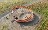 Un mirador de madera en forma de espiral