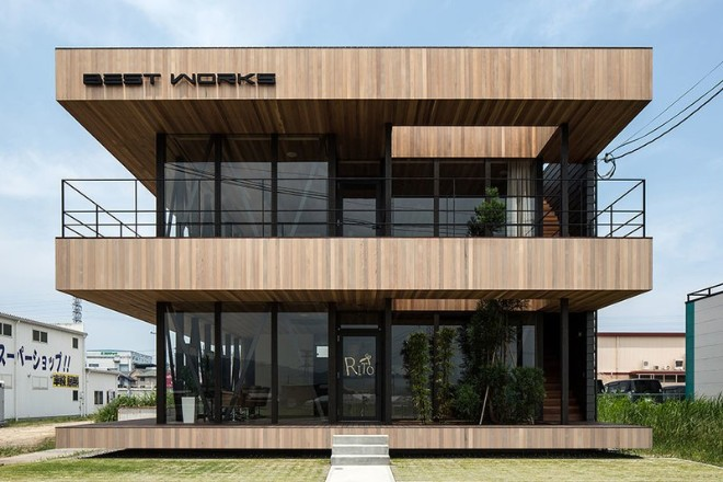 https://www.madera21.cl/wp-content/uploads/2019/05/Salon-de-belleza-y-oficinas-en-Koga-Japon.jpg?x72000