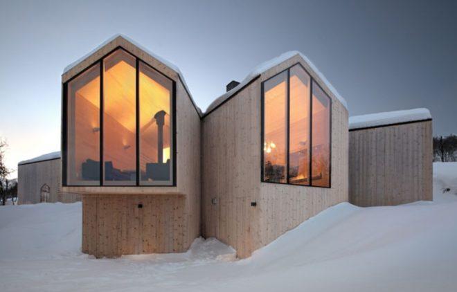 00_split_view_mountain_lodge_Reiulf_Ramstad_Arkitekter_yatzer