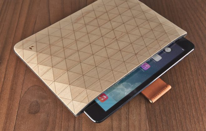 PORTADA 2. Grovemade-Geometric-Maple-iPad-Case-with-Leather-and-Brass-Rod-Strap