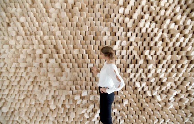 gramazio-kohler-augmented-acoustic-timber-wall-designboom-03