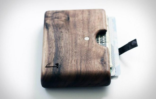 Walnut-Wallet-by-Slim-Timber
